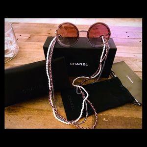 55d46a2644 ... Chanel round sunglasses - triple eyeglass chain